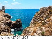 Купить «Beach Montagna Spaccata, Salento, Italy», фото № 27341905, снято 8 июня 2017 г. (c) Юрий Брыкайло / Фотобанк Лори