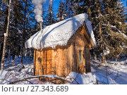Купить «Lonely hunting snowbound lodge», фото № 27343689, снято 8 февраля 2014 г. (c) Евгений Ткачёв / Фотобанк Лори