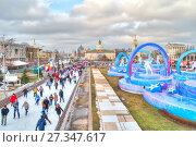 Купить «Каток на ВДНХ 2018 – главная ледовая площадка страны и самая большая в Европе», фото № 27347617, снято 4 января 2018 г. (c) Parmenov Pavel / Фотобанк Лори