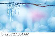 Купить «Весенний фон с сосульками», фото № 27354661, снято 25 октября 2017 г. (c) Икан Леонид / Фотобанк Лори