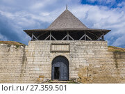 Купить «Entrance Tower of Fortress in Khotyn city, located in Chernivtsi Oblast of western Ukraine.», фото № 27359501, снято 13 июня 2017 г. (c) easy Fotostock / Фотобанк Лори
