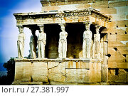 The Caryatid porch The Erechtheion Acropolis Athens Atica Greece Europe. Стоковое фото, фотограф Mikel Bilbao / age Fotostock / Фотобанк Лори