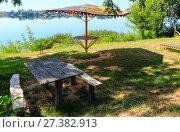 Купить «Сamping pitch on summer lake calm beach», фото № 27382913, снято 1 сентября 2017 г. (c) Юрий Брыкайло / Фотобанк Лори
