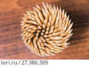 Купить «Toothpicks spiral», фото № 27386309, снято 7 февраля 2016 г. (c) Евгений Ткачёв / Фотобанк Лори