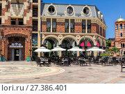 Купить «Площадь Пьяцца в старом городе Батуми. Грузия», фото № 27386401, снято 10 июля 2013 г. (c) Евгений Ткачёв / Фотобанк Лори
