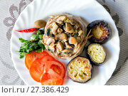 Lamb with mushrooms, fried zucchini, tomatoes and hot pepper. Стоковое фото, фотограф Евгений Ткачёв / Фотобанк Лори