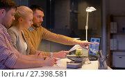 Купить «business team with laptop working at night office», видеоролик № 27398581, снято 14 декабря 2017 г. (c) Syda Productions / Фотобанк Лори