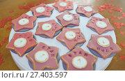 Купить «Christmas gingerbread. Baking process using specialized electrical equipment. Preparation for holidays.», видеоролик № 27403597, снято 21 октября 2017 г. (c) Mikhail Davidovich / Фотобанк Лори