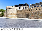 Купить «Fortress of the Old Sity Baku. Historical core of Azerbaijan Baku», фото № 27410993, снято 23 сентября 2015 г. (c) Евгений Ткачёв / Фотобанк Лори