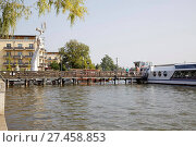 Купить «Ruppiner See, Neuruppin with Parzival Am See statue, Brandenburg, Germany», фото № 27458853, снято 20 октября 2019 г. (c) age Fotostock / Фотобанк Лори