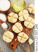 Купить «Нан Хати с кокосом на столе. Вид сверху», фото № 27507245, снято 19 октября 2017 г. (c) Надежда Мишкова / Фотобанк Лори