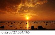 Купить «Tropical sea sunset on the beach, timelapse», видеоролик № 27534165, снято 25 января 2018 г. (c) Михаил Коханчиков / Фотобанк Лори