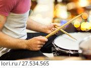 Купить «close up of musician or drummer playing drum kit», фото № 27534565, снято 11 декабря 2014 г. (c) Syda Productions / Фотобанк Лори