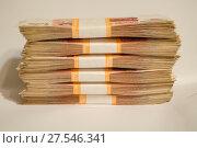 Купить «Пачка денег», фото № 27546341, снято 15 января 2018 г. (c) Яковлев Сергей / Фотобанк Лори