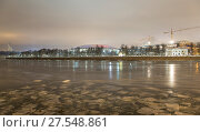 Купить «Moskva River and big sports arena of the Olympic Complex Luzhniki on a winter evening, Moscow, Russia», фото № 27548861, снято 1 февраля 2018 г. (c) Владимир Журавлев / Фотобанк Лори