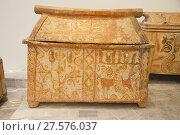 Купить «Chest larnax with gabled lid found in Palaikastro dated 1370-1300 BC, Archaeological Museum of Heraklion, Iraklio, island of Crete, Greece, Europe.», фото № 27576037, снято 28 сентября 2017 г. (c) age Fotostock / Фотобанк Лори