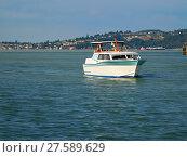 Купить «A photograph of a motorized boat.», фото № 27589629, снято 16 октября 2018 г. (c) PantherMedia / Фотобанк Лори