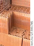 Купить «Stack with hollow bricks», фото № 27593745, снято 23 января 2019 г. (c) PantherMedia / Фотобанк Лори
