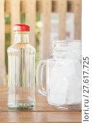 Купить «Drinking water and iced glass», фото № 27617725, снято 15 ноября 2018 г. (c) PantherMedia / Фотобанк Лори