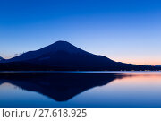 Купить «Fujisan and Lake Yamanaka at sunset», фото № 27618925, снято 15 ноября 2018 г. (c) PantherMedia / Фотобанк Лори