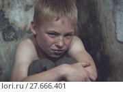 Купить «Weeping boy curled up in corner», фото № 27666401, снято 18 марта 2018 г. (c) PantherMedia / Фотобанк Лори