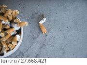 Купить «bad addiction. ashtray and cigarettes close-up», фото № 27668421, снято 25 апреля 2018 г. (c) PantherMedia / Фотобанк Лори