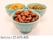 Купить «Bowls of tea herb», фото № 27679405, снято 20 сентября 2019 г. (c) PantherMedia / Фотобанк Лори