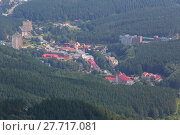 Купить «Resort of Belokurikha view from Mount Tserkovka in the Altai Krai», фото № 27717081, снято 7 августа 2013 г. (c) Юлия Машкова / Фотобанк Лори