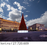 Купить «Christmas (New Year holidays) decoration Lubyanskaya (Lubyanka) Square in the evening, Moscow, Russia. Inscription in Russian - Moscow 2018, happy new year», фото № 27720609, снято 9 января 2018 г. (c) Владимир Журавлев / Фотобанк Лори