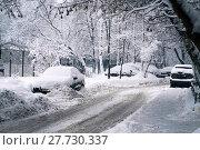 Купить «Moscow street after a snowfall», фото № 27730337, снято 31 января 2018 г. (c) Георгий Дзюра / Фотобанк Лори