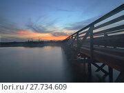 Купить «Wooden Boardwalk at sunset», фото № 27734609, снято 18 июня 2019 г. (c) PantherMedia / Фотобанк Лори