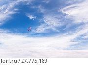 Купить «Red boomerang in flight», фото № 27775189, снято 19 июля 2019 г. (c) PantherMedia / Фотобанк Лори