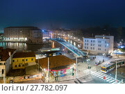 Купить «Piazzale Roma and Ponte della Costituzione at night, Venice, Italy, Europe», фото № 27782097, снято 24 февраля 2018 г. (c) PantherMedia / Фотобанк Лори