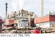 Купить «industrial plant of a furniture factory with smoking smokestacks», фото № 27786765, снято 22 сентября 2018 г. (c) PantherMedia / Фотобанк Лори