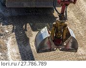 Купить «excavator bucket», фото № 27786789, снято 24 марта 2019 г. (c) PantherMedia / Фотобанк Лори