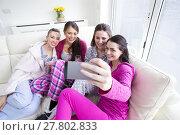 Купить «Women Taking A Selfie», фото № 27802833, снято 20 июля 2019 г. (c) PantherMedia / Фотобанк Лори