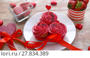 sweets and strawberries in st valentines day. Стоковое видео, видеограф Syda Productions / Фотобанк Лори