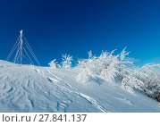 Купить «Winter hoar frosting trees, tower and snowdrifts (Carpathian mountain, Ukraine)», фото № 27841137, снято 23 января 2018 г. (c) Юрий Брыкайло / Фотобанк Лори