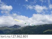 Купить «fly a kite», фото № 27862801, снято 19 октября 2019 г. (c) PantherMedia / Фотобанк Лори