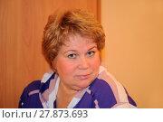 Портрет улыбающейся женщины средних лет (2012 год). Редакционное фото, фотограф Юрий Морозов / Фотобанк Лори