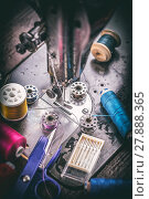 Купить «Antique sewing machine», фото № 27888365, снято 22 октября 2018 г. (c) PantherMedia / Фотобанк Лори
