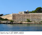 Купить «quarantine island in the port of mahon», фото № 27891433, снято 15 октября 2019 г. (c) PantherMedia / Фотобанк Лори
