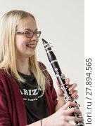 Купить «girl girls musician clarinet klarinettenspielerin», фото № 27894565, снято 18 марта 2019 г. (c) PantherMedia / Фотобанк Лори