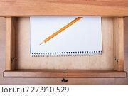 Купить «pencil on artistic album in open drawer», фото № 27910529, снято 22 октября 2018 г. (c) PantherMedia / Фотобанк Лори