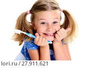 Купить «funny girl with space width and toothbrush», фото № 27911621, снято 15 декабря 2018 г. (c) PantherMedia / Фотобанк Лори