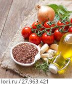 Купить «Organic red rice, tomatoes, olive oil, garlic and herbs», фото № 27963421, снято 19 февраля 2019 г. (c) PantherMedia / Фотобанк Лори