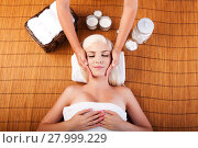 Купить «Relaxation pampering facial massage», фото № 27999229, снято 21 апреля 2019 г. (c) PantherMedia / Фотобанк Лори