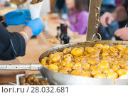 Купить «New potatoes fried in a pan with Italian recipe: potatoes salentina», фото № 28032681, снято 16 июля 2019 г. (c) PantherMedia / Фотобанк Лори