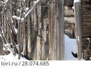 Купить «Старый деревянный сарай», фото № 28074685, снято 26 февраля 2018 г. (c) Марина Володько / Фотобанк Лори