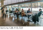 Купить «Кафе музея Гараж   в парке Горького», эксклюзивное фото № 28113721, снято 24 февраля 2018 г. (c) Виктор Тараканов / Фотобанк Лори